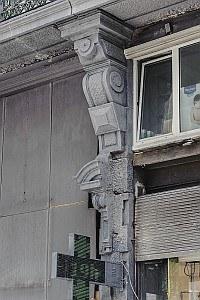 Anspach 61 detail 2 pilastre